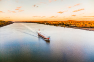 stock-photo-41929128-huge-cargo-ship-at-the-hudson-river